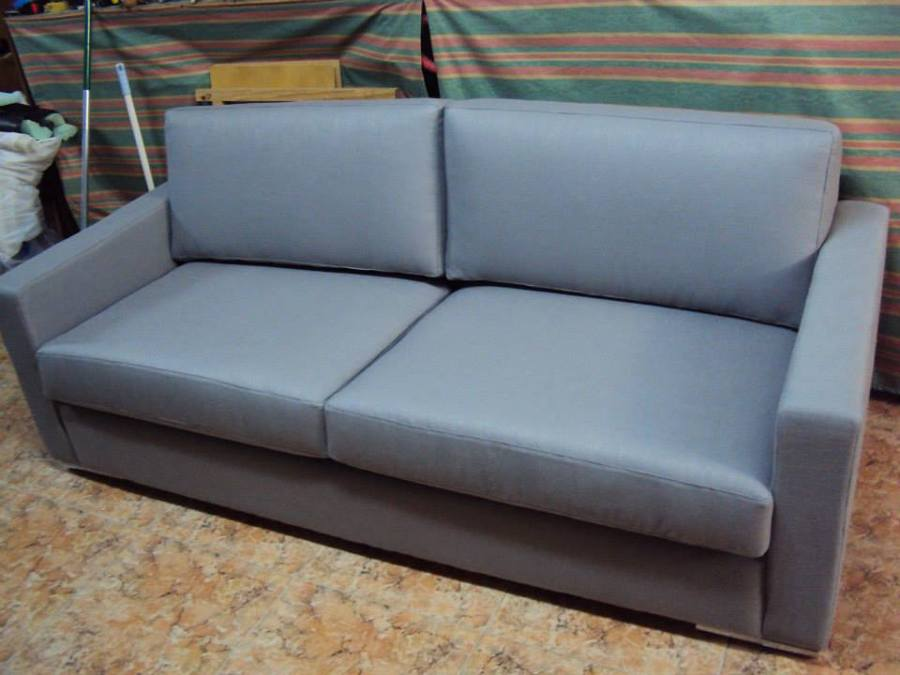 Foto tapizado sofa tres plazas linea moderna de clasica - Tapiceros en salamanca ...