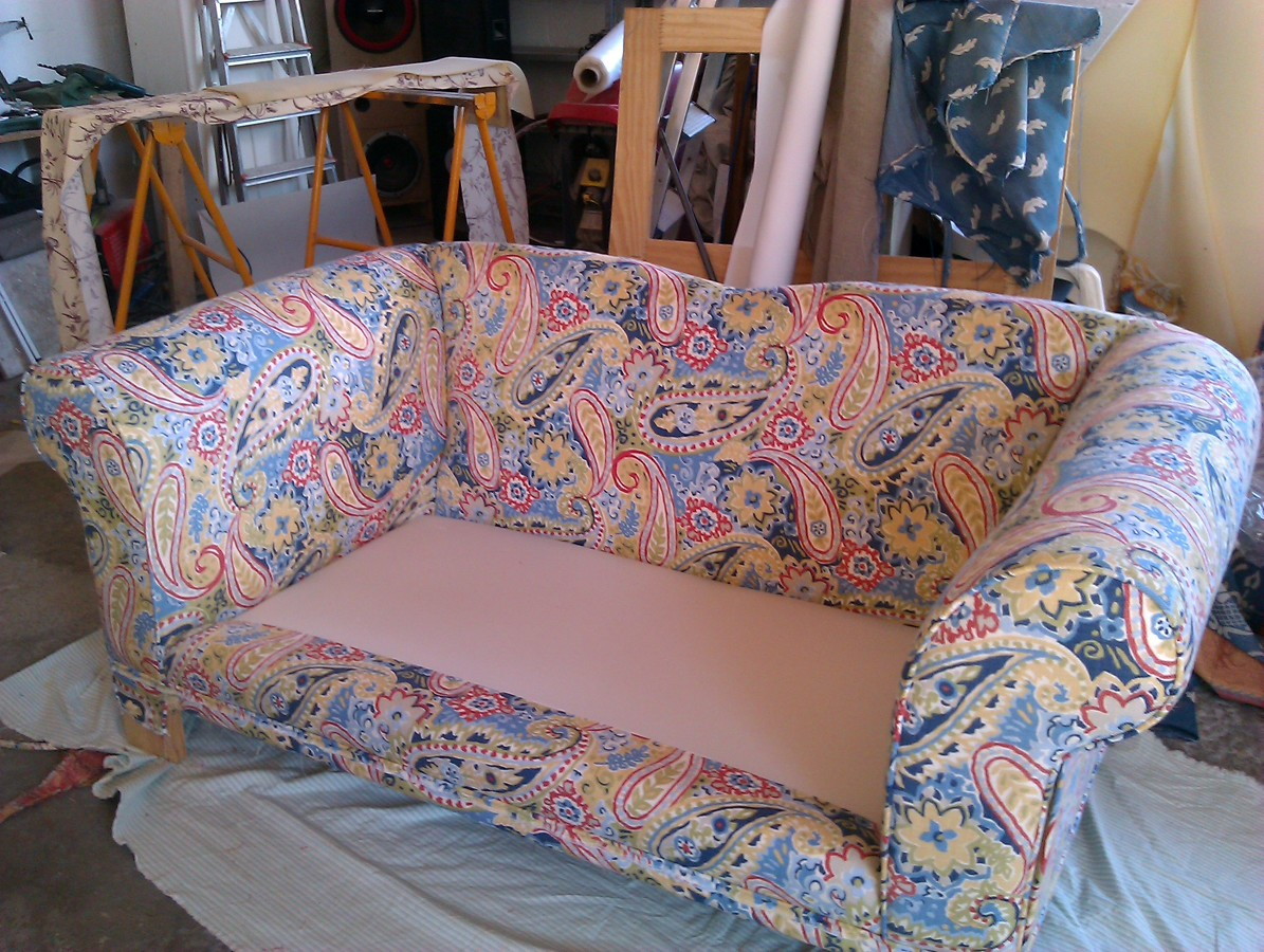 Foto tapizando un sofa de tapicecor 315261 habitissimo - Como tapizar un sofa ...