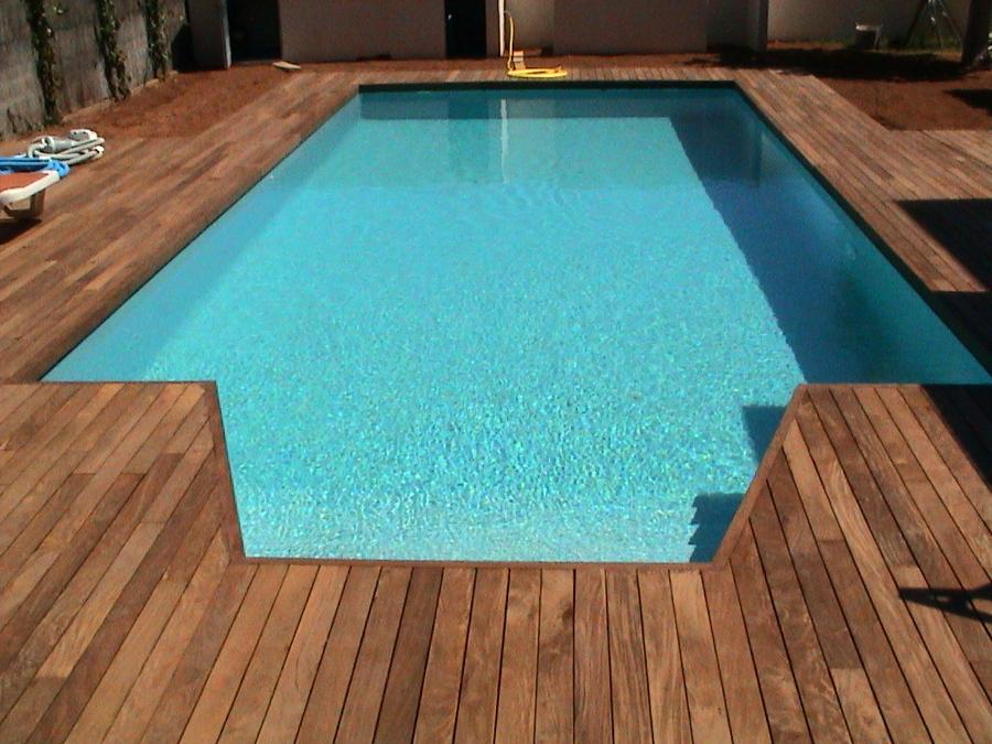Tarima de Ipe en piscina (Bétera)