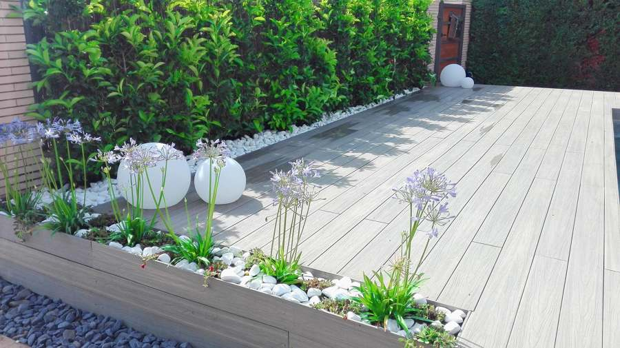 tarima exterior sintetica, jardineria