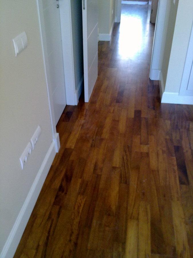 Foto tarima flotante de madera natural de adg suelos de madera 224693 habitissimo - Tarima flotante de madera ...