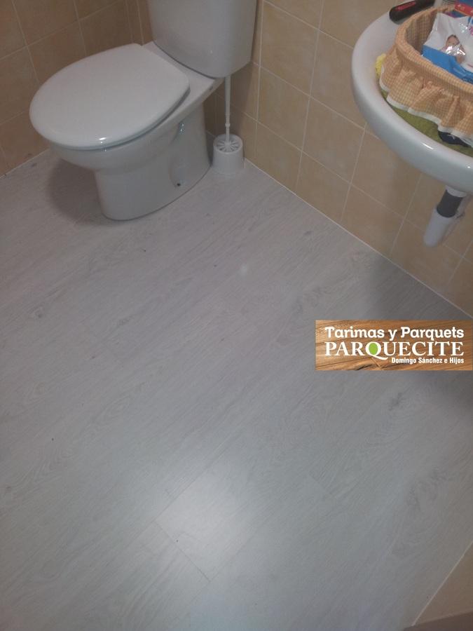 Foto tarima para ba os y cocinas de parquecite sl 639507 - Suelo laminado para banos ...