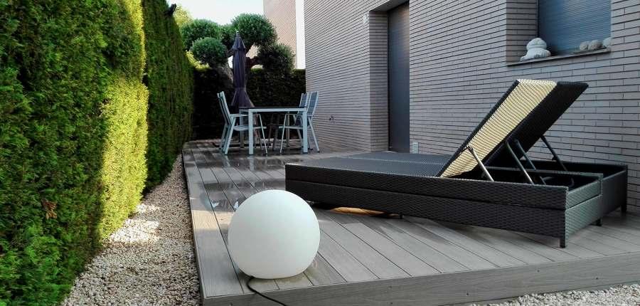 tarima exterior sintetica, iluminación exterior, jardinería