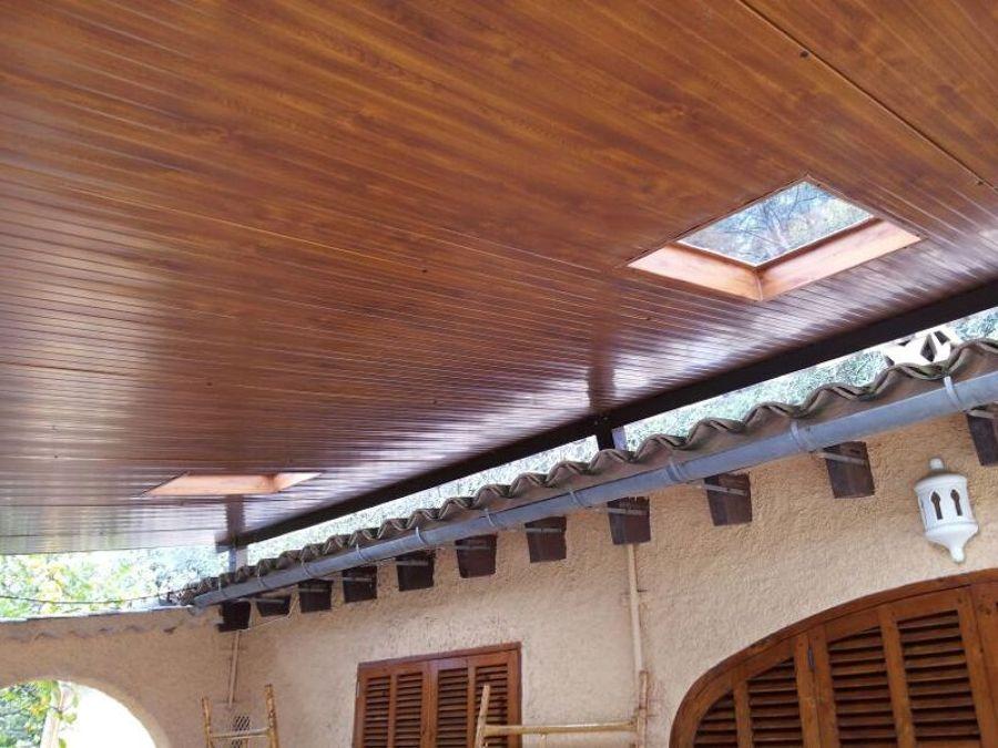 Techo con tragaluz interior madera