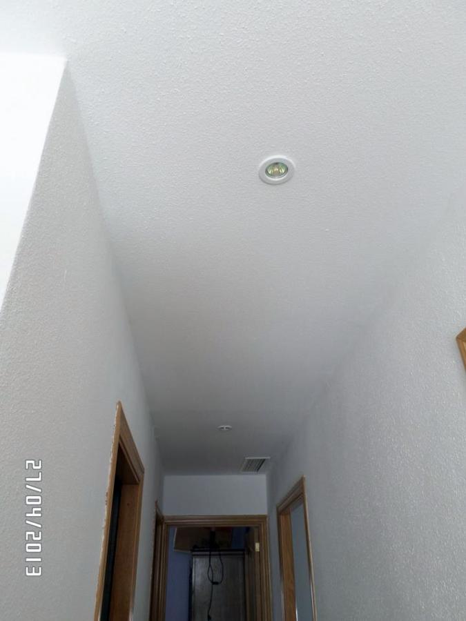 techo de pladur con registros de luz