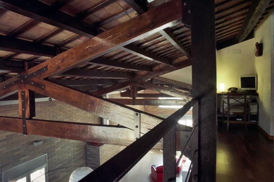 Foto techo de vigas de madera de construcci i - Vigas de madera para techos ...