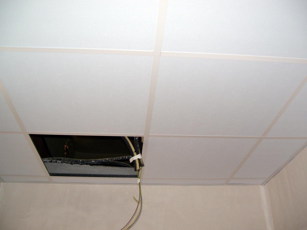 Decorar cuartos con manualidades placas de escayola para for Techo desmontable escayola