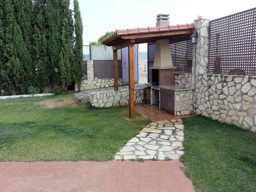 Foto techo madera para barbacoa de obra 360 407862 for Rinconera jardin