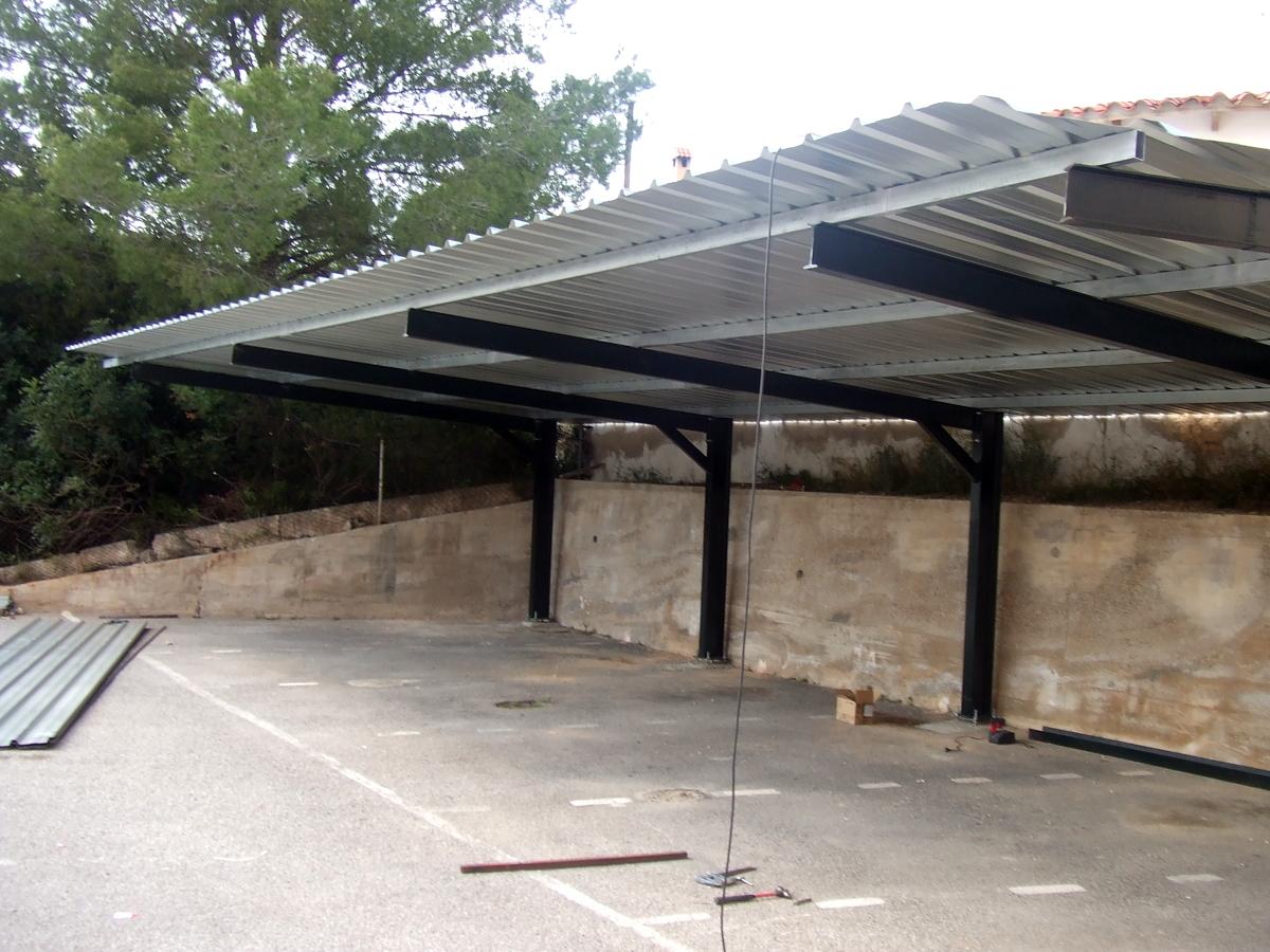Foto techo para parking exterior de metal rgica jordan for Techos exteriores para casas