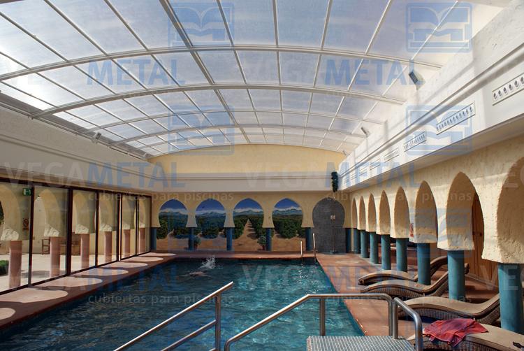 Foto techo para piscina de vegametal cubiertas para for Techo piscina cubierta