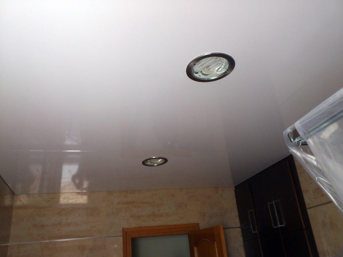 Foto techo tensado aseo de ek techos tensados 344676 - Techos tensados barcelona ...