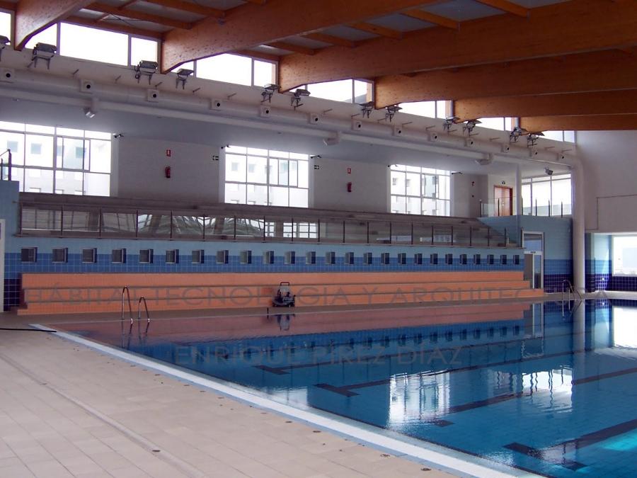 Foto techos de piscinas cubiertas de aisso ruido 219869 for Piscinas cubiertas en granada
