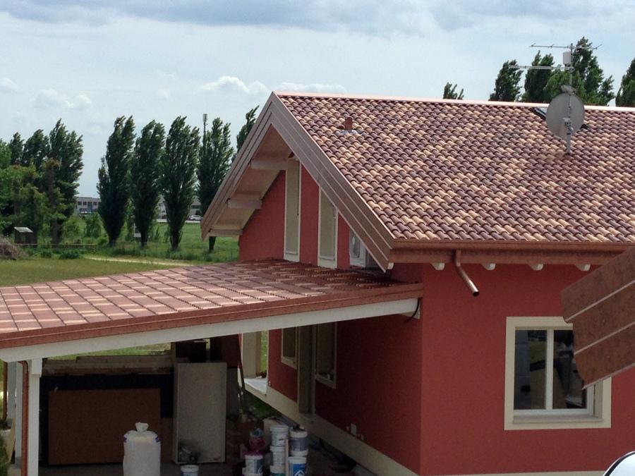 Foto teja pl stica de tejas roofy 455414 habitissimo for Leroy merlin tejas