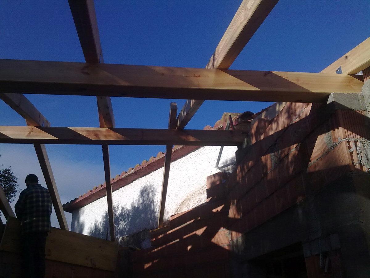 Foto tejado de madera de raduconstrucciones 175713 for Tejados madera ourense