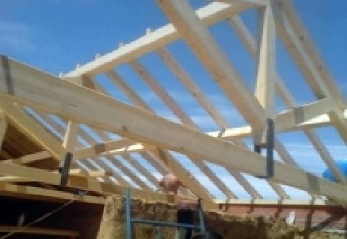 Foto tejados de madera de reformas arias le n 331289 for Tejados de madera barcelona