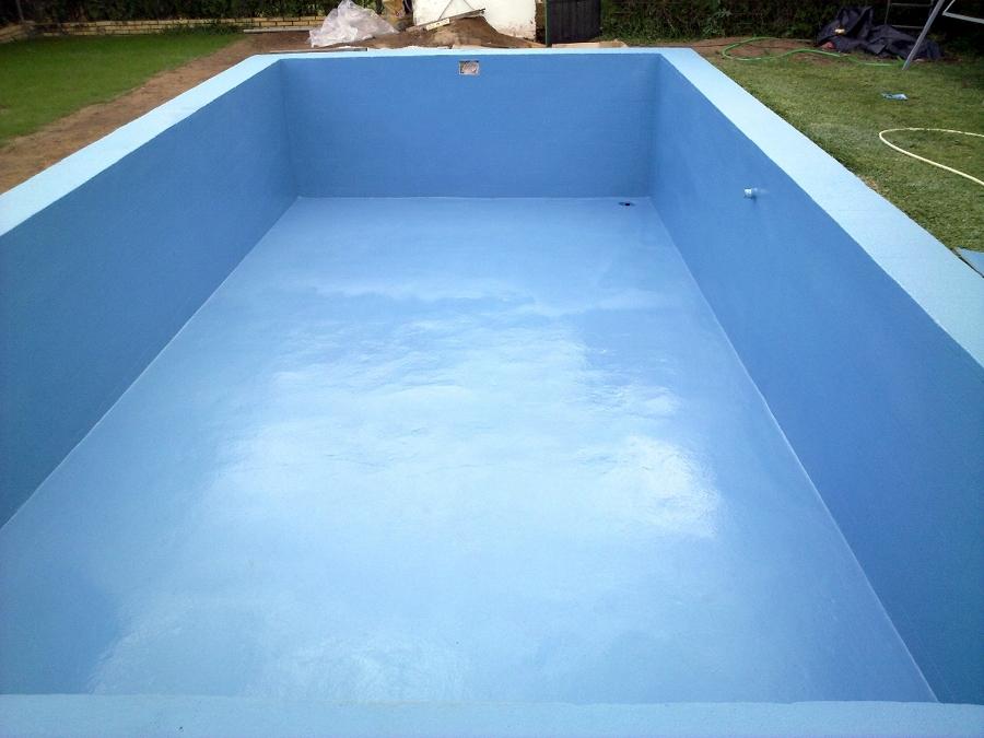 Foto terminacion con poliureas de piscina de 30 a os de for Piani del cortile con piscine