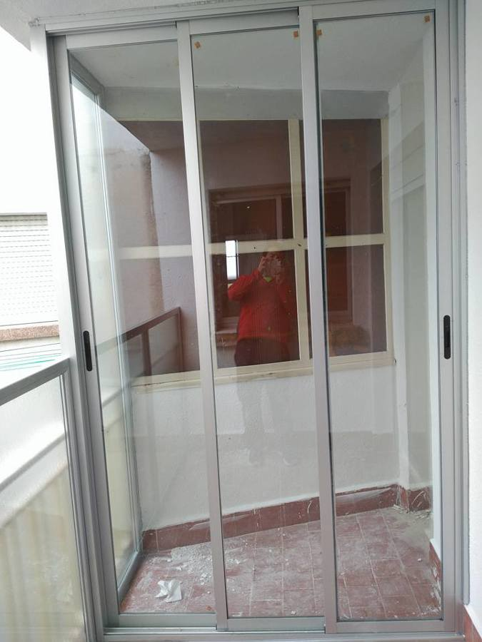 Armario exterior con puertas de cristal