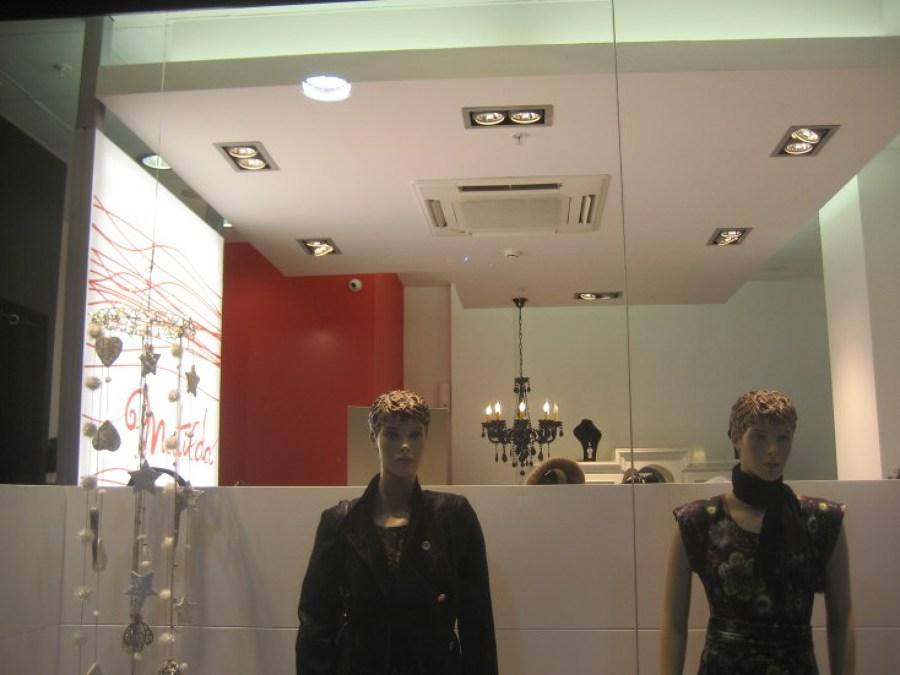 Foto tienda de ropa matilda amposta de rehabilitaci n e for Oficina de treball amposta