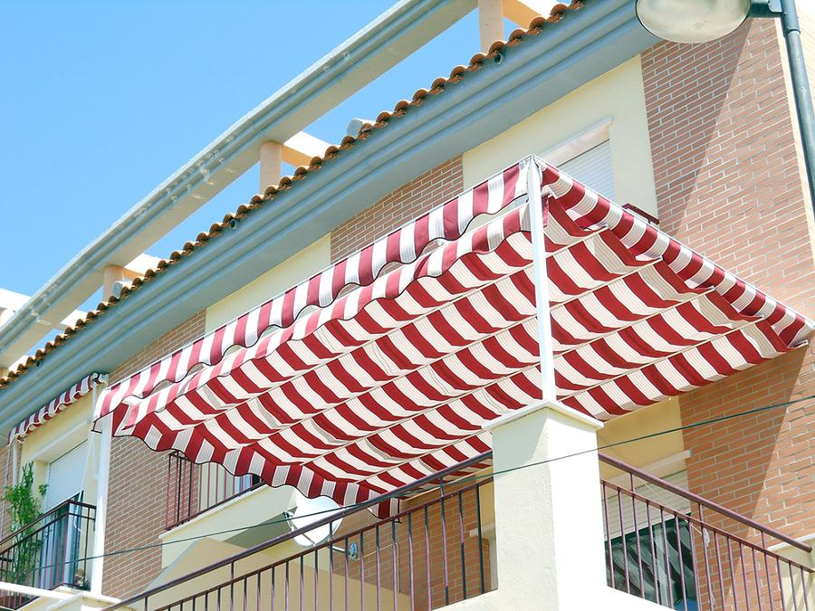 Foto toldo plano con estructura de 50x50 de toldos yules for Estructura de toldo