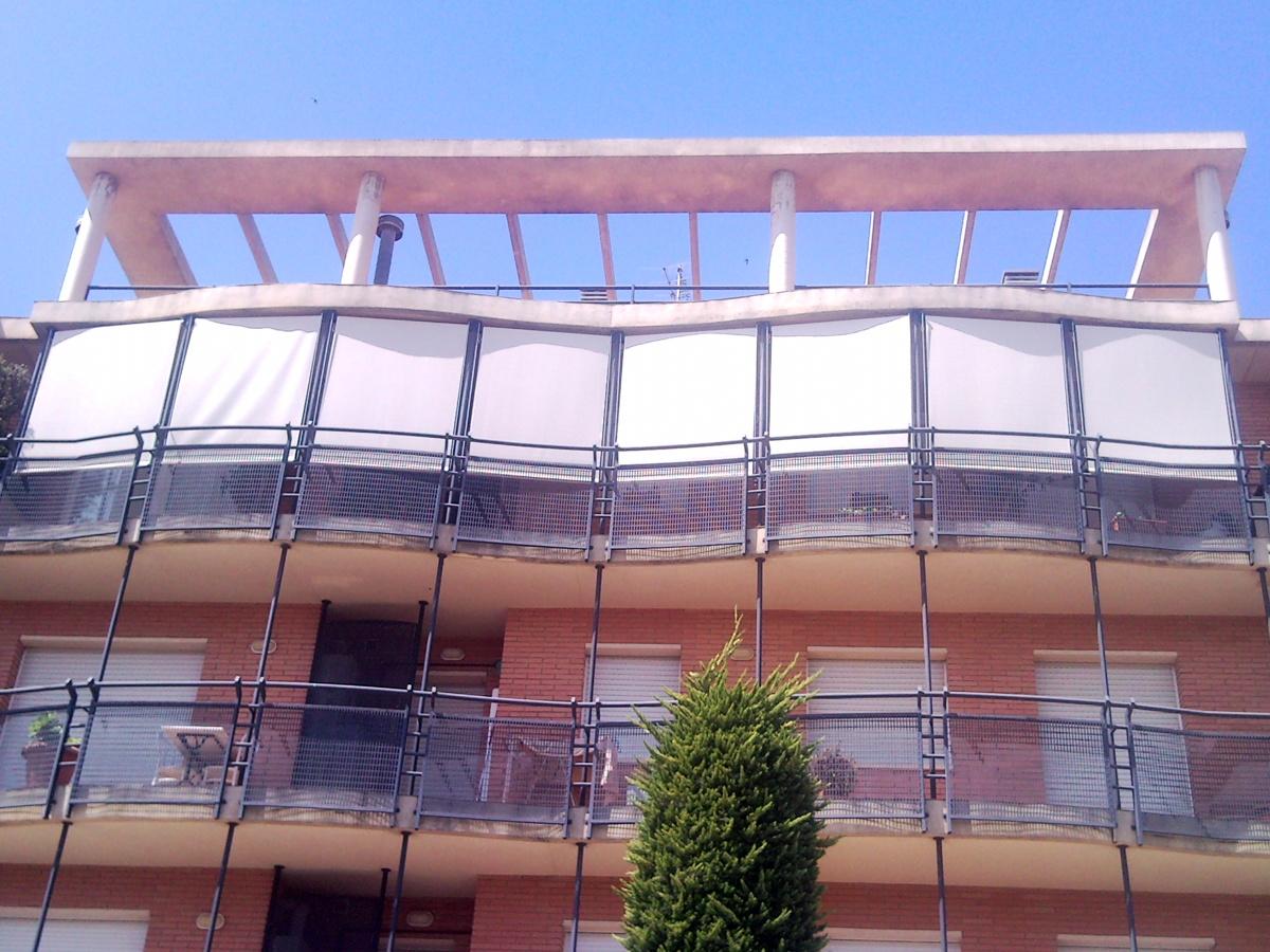 Foto toldos balcon de domo el teu espai 181526 habitissimo for Toldos de balcon