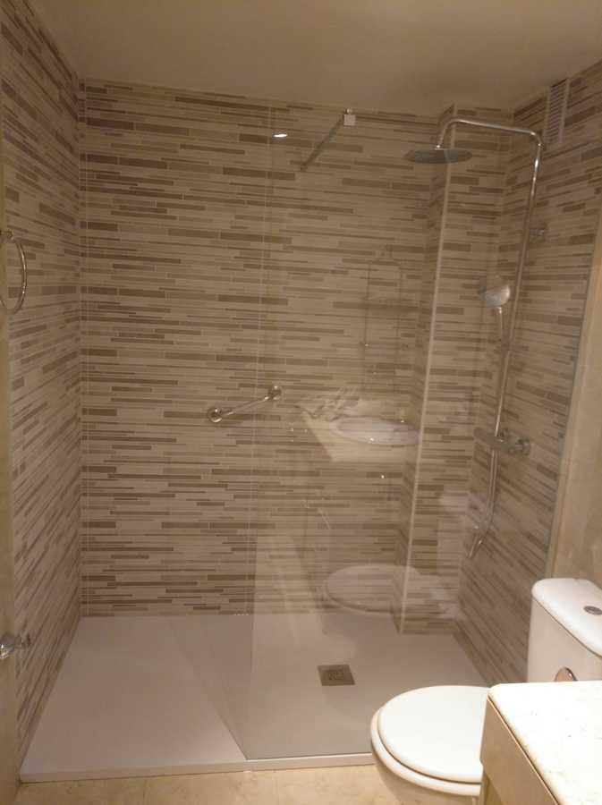 Cambio de bañera por plato de ducha antideslizante 1600 €