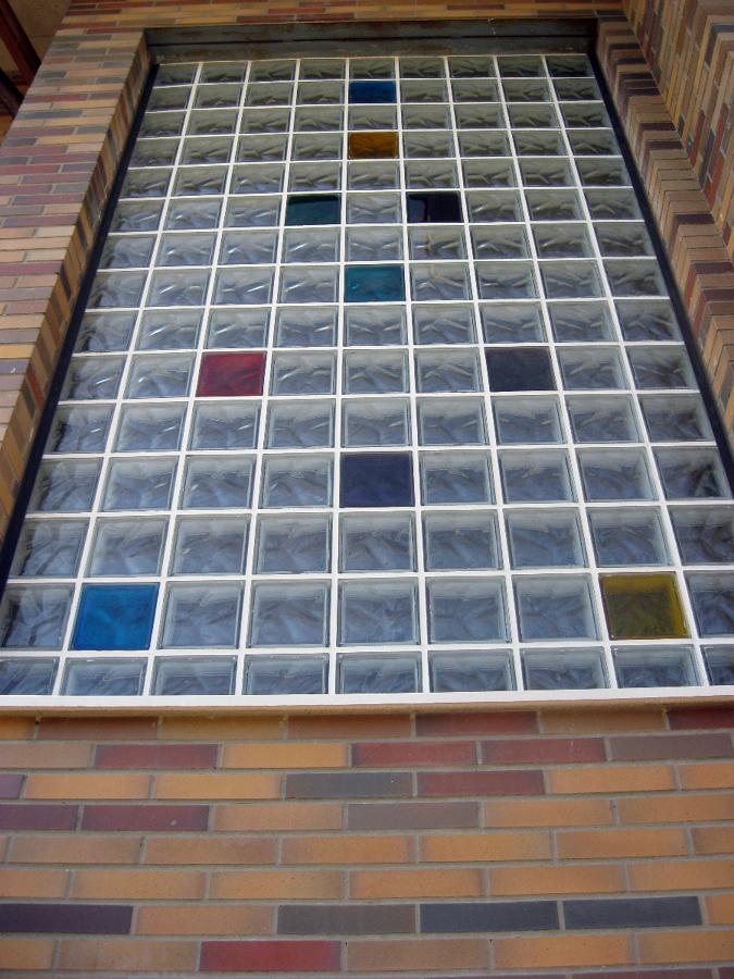 Foto Tragaluz de Caja de Escalera de Construcciones Y