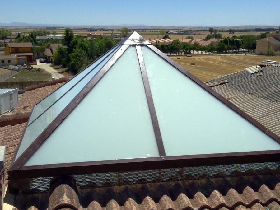tragaluz de vidrio para techos Quotes