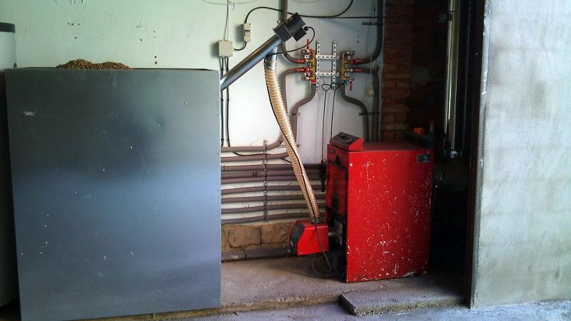 Foto transformaci n de caldera de gasoil a pellets vista - Caldera mixta lena pellet ...