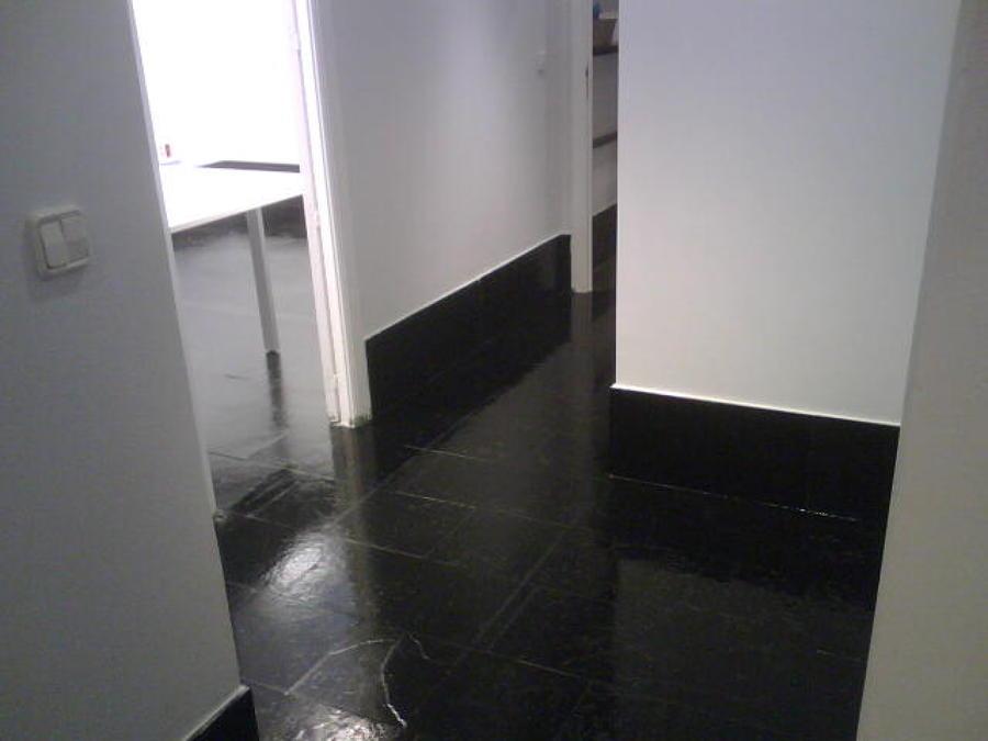 Foto tratamiento de suelo de pizarra negra de servifusion - Suelo de pizarra ...