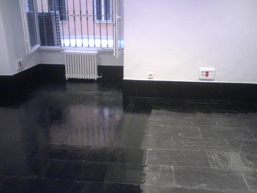 Foto tratamiento de suelo de pizarra negra de servifusion - Suelos de pizarra ...