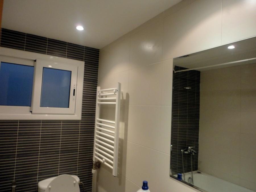 ultimo trabajo realizado pintura techo en baño