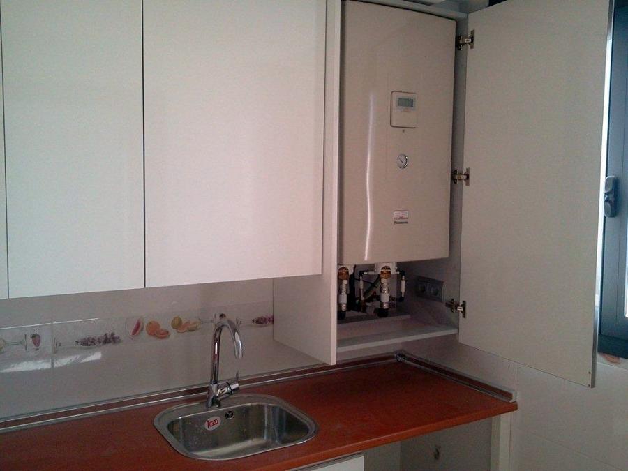 Foto unidad interior en armario de cocina de desarrollo - Aerotermia opiniones ...
