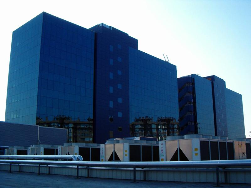 Unidades enfriadoras aire-agua para climatización de edificios