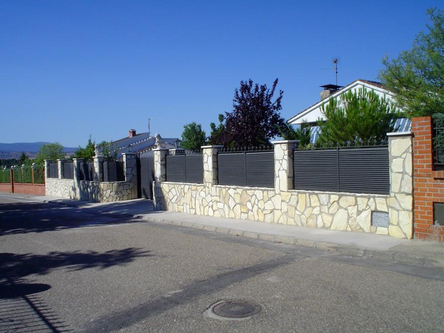 Foto valla chalet toledo de i s c 171314 habitissimo - Vallas exteriores para casas ...