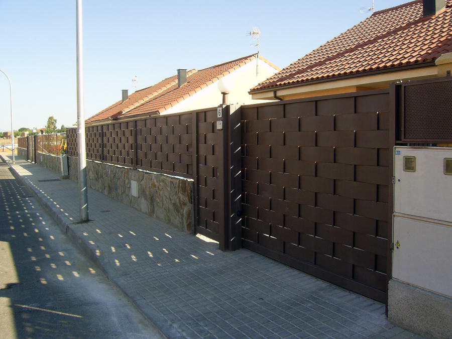 Foto valla de chapa trenzada de cerrajeria pe a diaz 256265 habitissimo - Valla metalica jardin ...