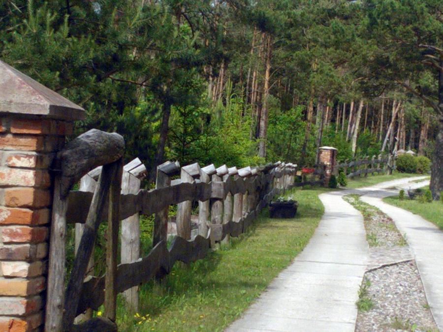 Foto vallado de madera y piedra de depol investments s - Vallado de madera ...