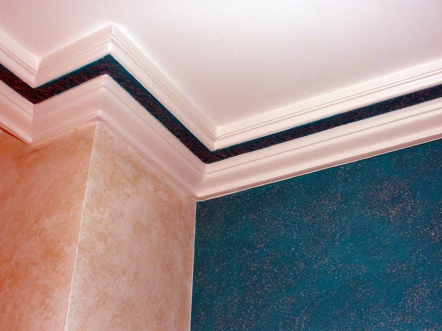 Foto veladura agua marina con pared y moldura de escayola - Como colocar molduras de escayola ...