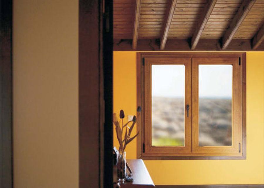 Foto ventana pvc roble dorado de aguilera pvc y aluminios for Ventanas de pvc doble vidrio argentina