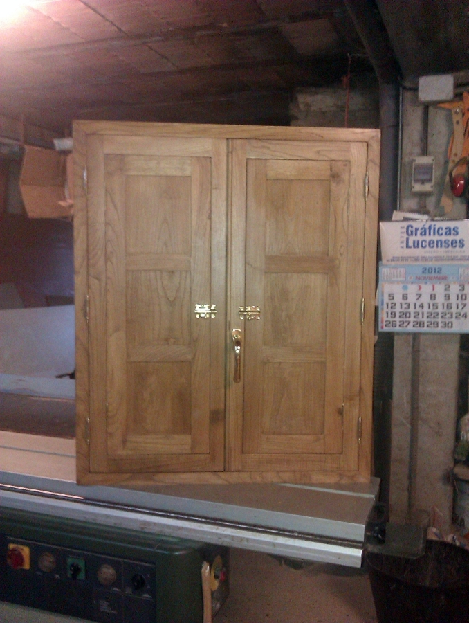 Foto ventana en casta o color nogal de carpinter a juan carlos 286556 habitissimo - Puertas de castano ...