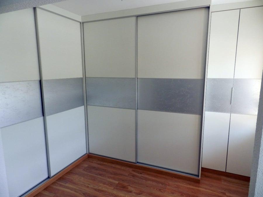 foto vestidor a medida puertas correderas de muebles de