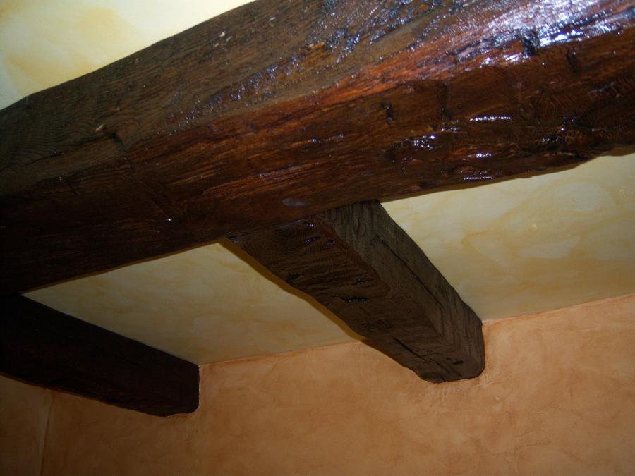 Foto vigas de madera de decoraciones siglo xxi 247840 - Vigas decorativas de poliuretano ...