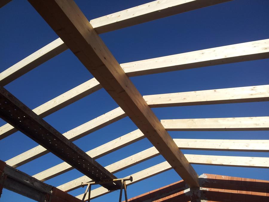 Foto vigas de madera de reformas manchuela 522539 habitissimo - Vigas de madera malaga ...