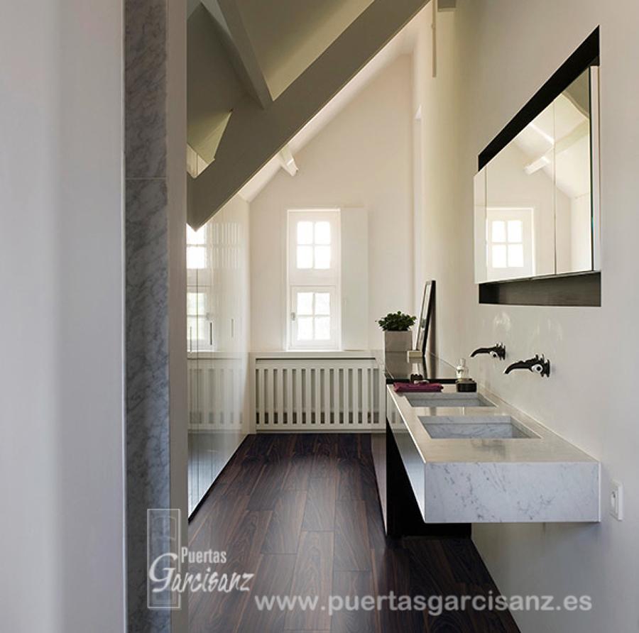 Foto suelo de vinilo de quick step de puertas garcisanz for Parquet salle de bain quick step