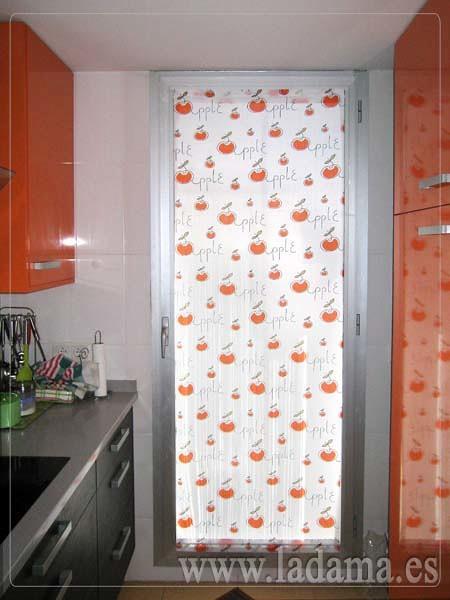 Foto visillo de cocina de la dama decoraci n 173182 for Decoracion de cortinas para cocina