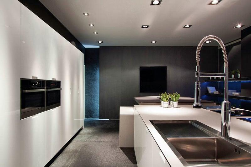 Foto visita nuestra exposici n de cocinas en barcelona de for Casa minimalista interior cocina