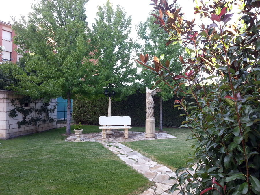 Vivienda en Marcilla, jardin