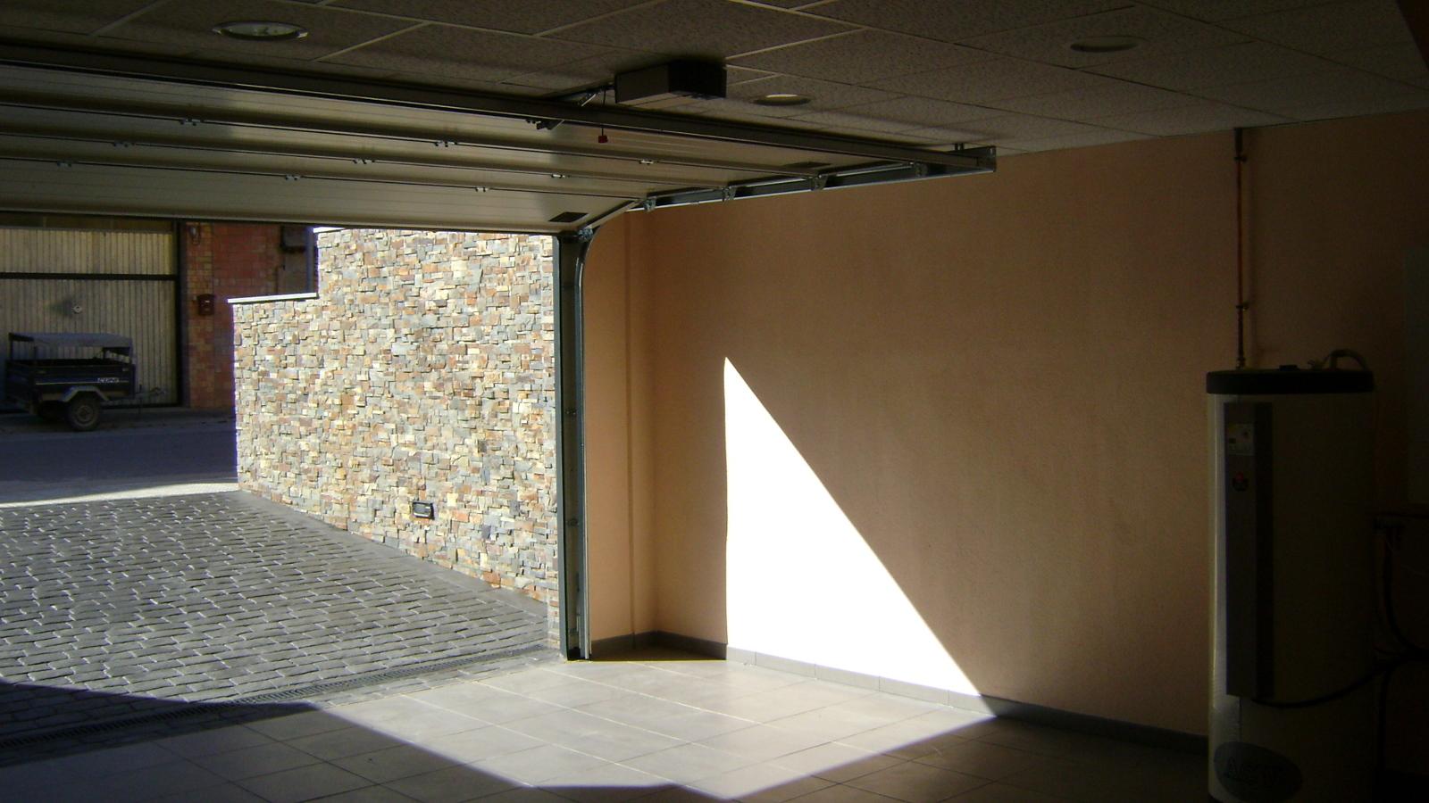 Vivienda unifamiliar aislada, Garaje 2
