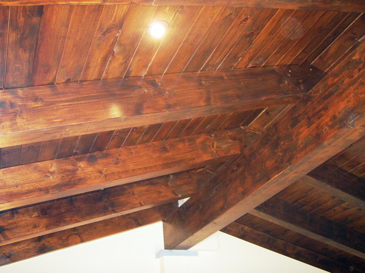 vivienda unifamiliar aislada techo madera