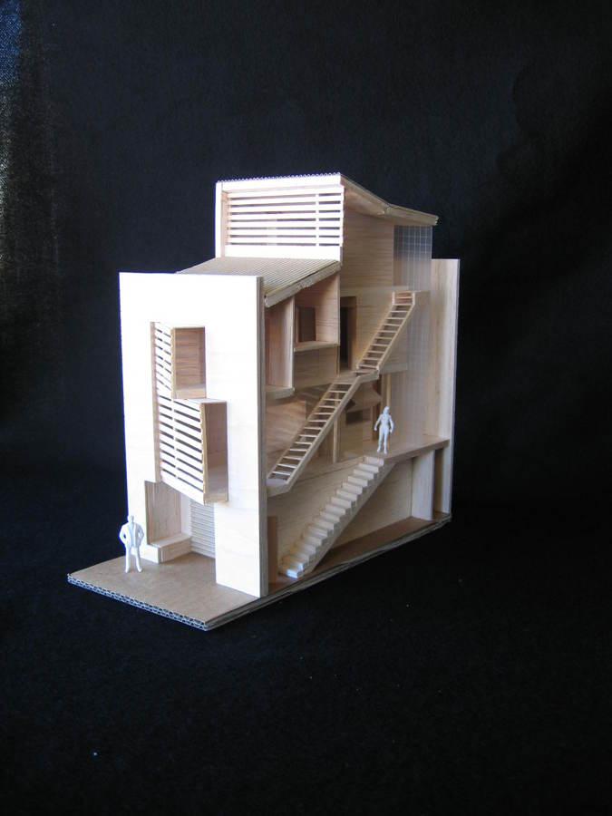 Foto vivienda unifamiliar entre medianeras en fabara for Estudios arquitectura zaragoza