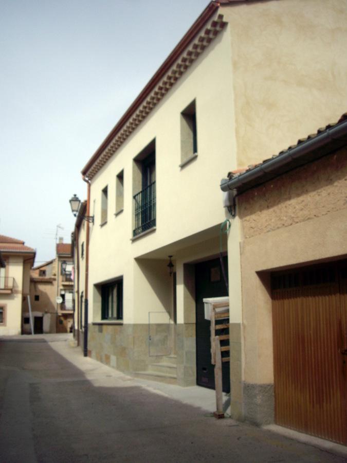 Foto vivienda unifamiliar entre medianeras de juan - Vivienda entre medianeras ...